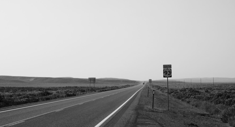 Roadtrip durch die USA_unendliche Weiten_schwarz weiß Foto